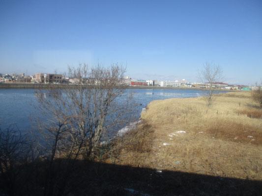 釧路川に再びもどる ぜんぜん凍っていない