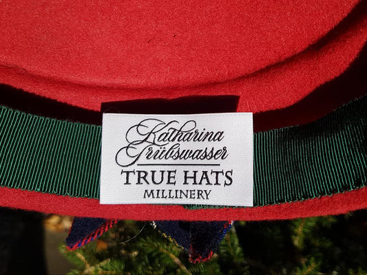 Labels für True Hats Millinery Katharina Trübswasser