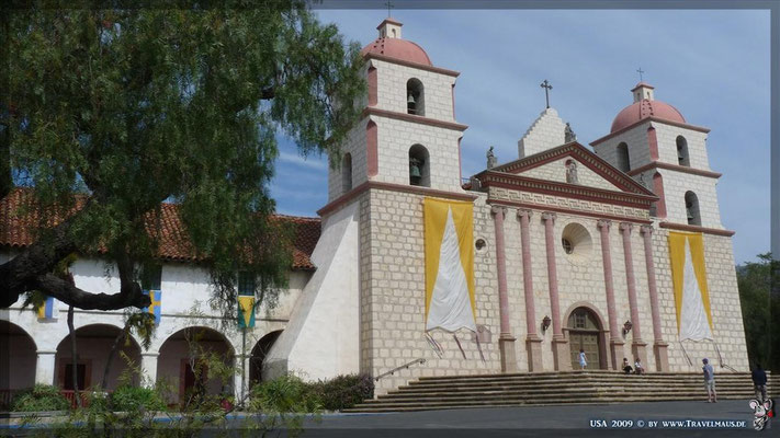 Mission Santa Barbara in Santa Barbara N 34° 26´15.0´W 119° 42´ 49.1´´