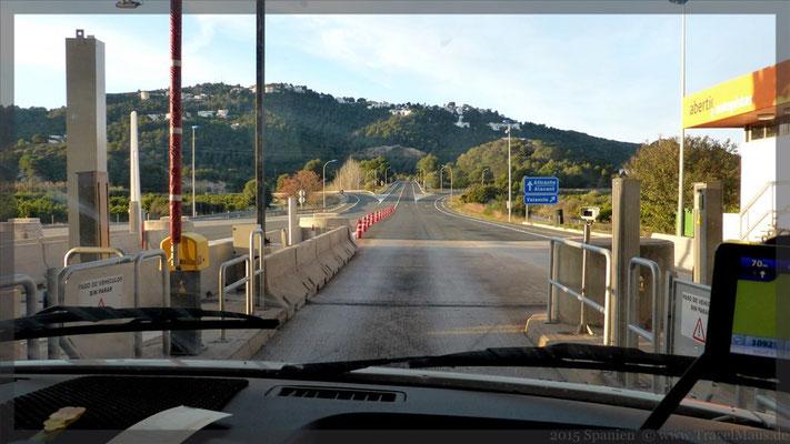 Abfahrt morgens gegen 8 Uhr - Auffahrt Autobahn