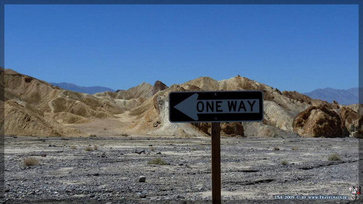 Twenty Mule Team Canyon !!! (One Way!) ca. 36° 24´16.6´´ W 116° 47´35.3""