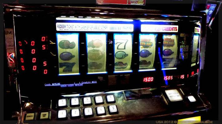 Dagmar hat am 1-Cent Automaten fast den Buffetpreis von 18 $ gewonnen!