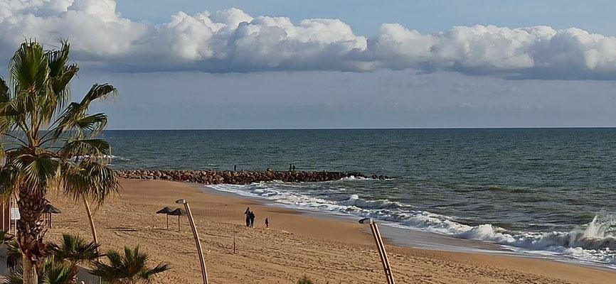 ... Blick auf die Küste - Quarteira