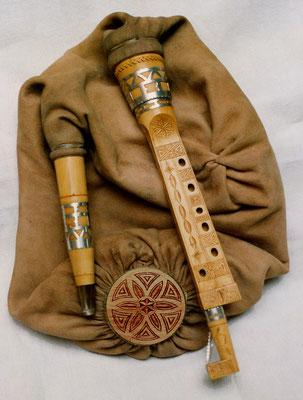 """Boha """"5trous"""" en Sol ou La, personnalisée sur des décorations anciennes"""