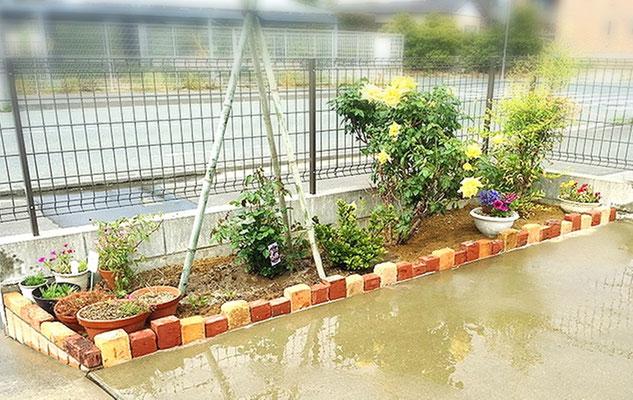 レンガで花壇作り