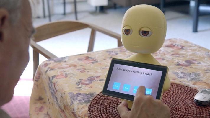7. Roboter für die Pflege zuhause: Das Robotermädchen, das eigentlich nur aus einem Rumpf besteht, heißt Mabu und soll den Patienten daran erinnern, seine Medizin zu nehmen. Zugleich stellt Mabu Fragen und informiert im Notfall einen Arzt. Von Catalia Hea