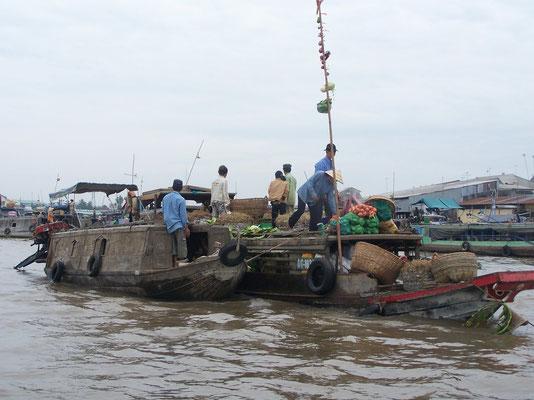 Le marché flottant à Can Tho sur le Mékong