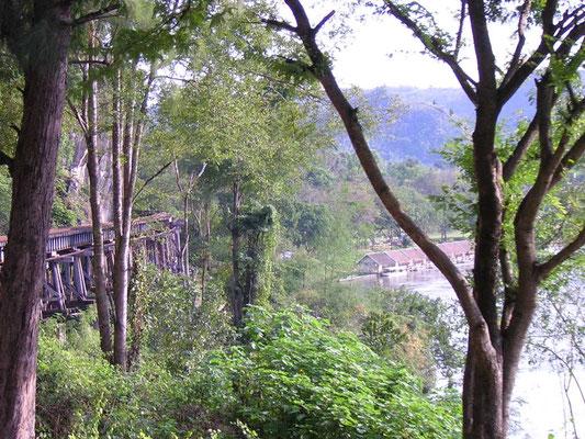 """Balade dans le """"train de la mort"""" - le Pont de la rivière Kwaï"""