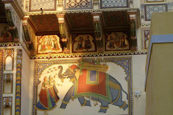 Décoration sur les murs des Havelis dans la région du Shekhawati