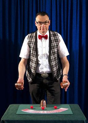 Martini mit Becher (2014)