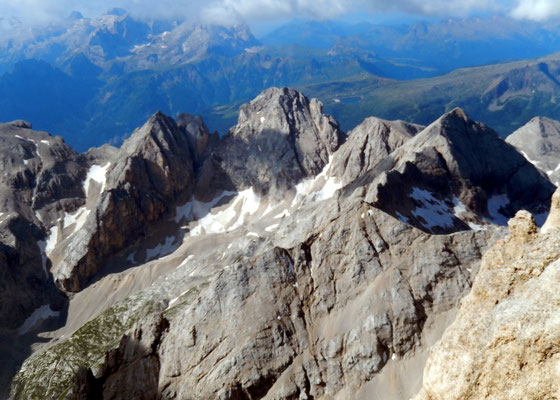 Gipfelblick gen Süd - Sas Vernel und Cima Ombretta