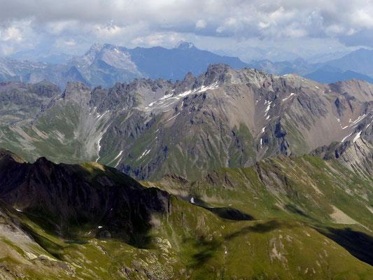 Gipfelblick - Rätikon und Schesaplana