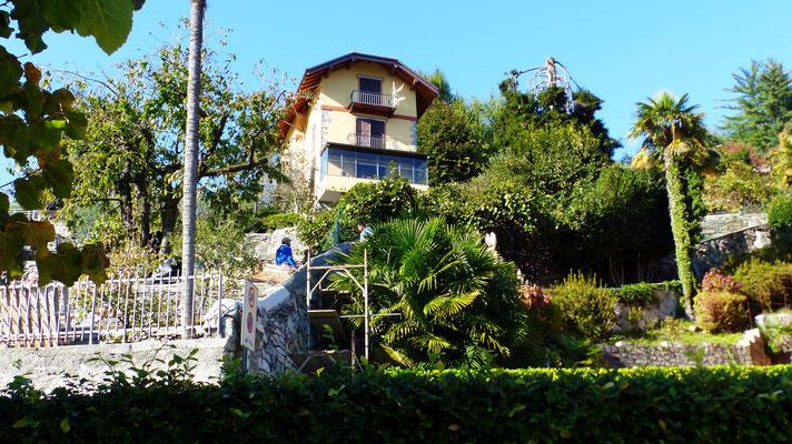 Erste Häuser vor Mergozzo