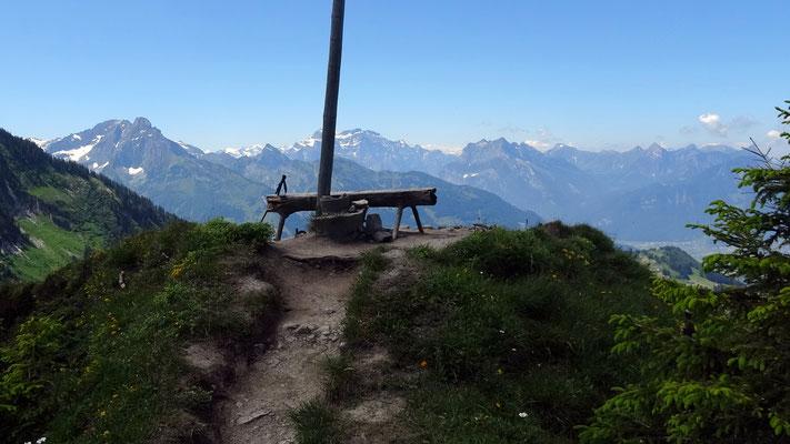 Am Gipfel des Flügenspitz - 1703 M