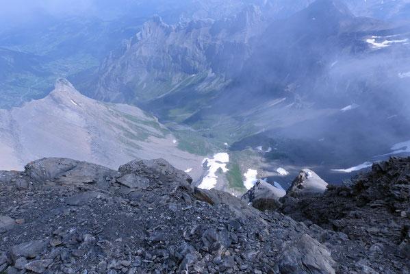 Gipfelblick nach Nord: Aufstiegsroute