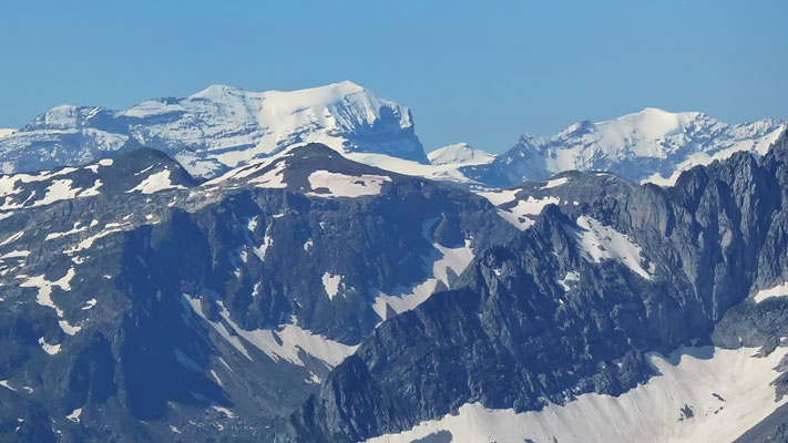 Gipfelblick: Bifertenstock 3420 M - Piz Urlaun 3359 M