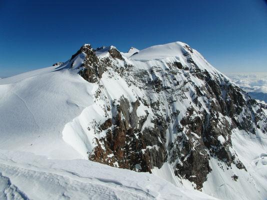 Vincent-Pyramide - Gipfelblick nach N