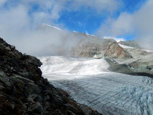 Allalingletscher vor Allalinhorn - 4027 M