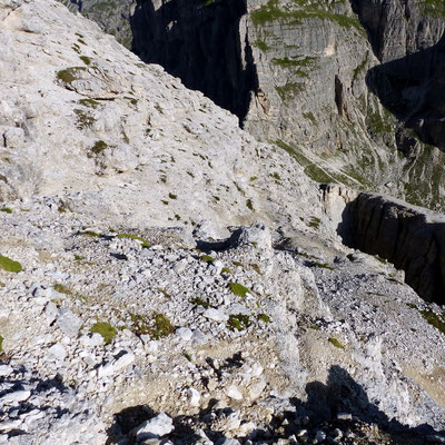 Gipfelblick hinab zur Forcella