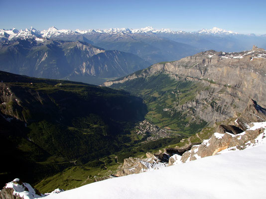 Blick von der Gipfelkante