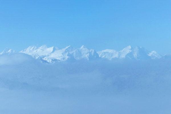 Gipfelblick auf die Berner Alpen