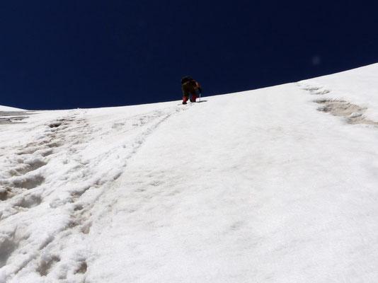 Aufstiegsflanke zu P. 2943