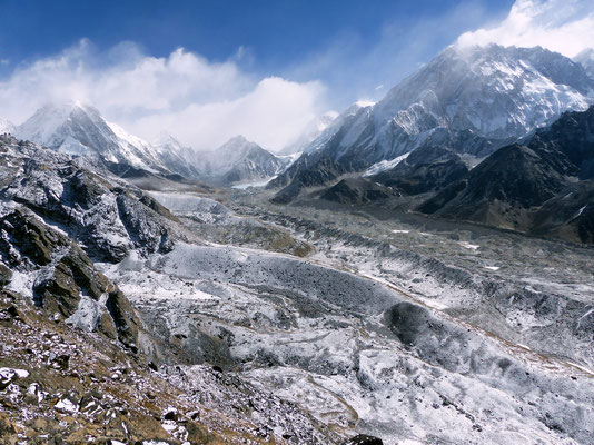 Gipfelblick - Pumori - Khumbugletscher - Nuptse