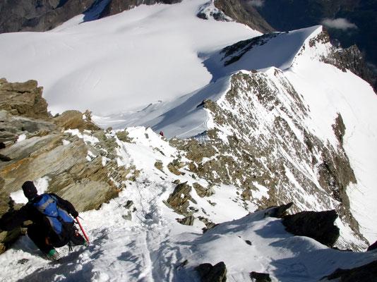 Gipfelblick auf Nadelhorngrat