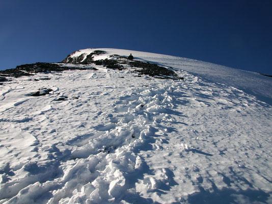 Nordflanke - Blick zum Gipfel