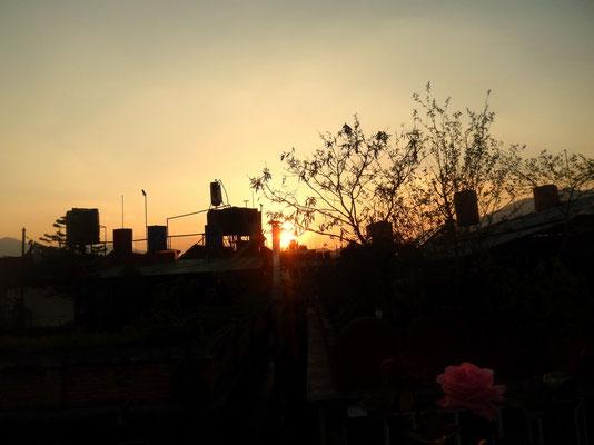 Sonnenuntergang auf der Dachterasse