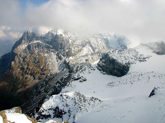 Gipfelblick zum Uri-Rotstock