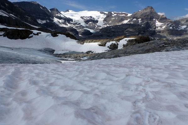 Abstieg an der Gletscherkante