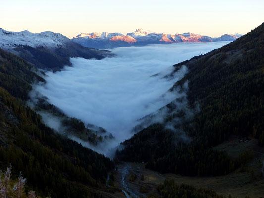 Berner Alpen über dem Val d'Hérémence