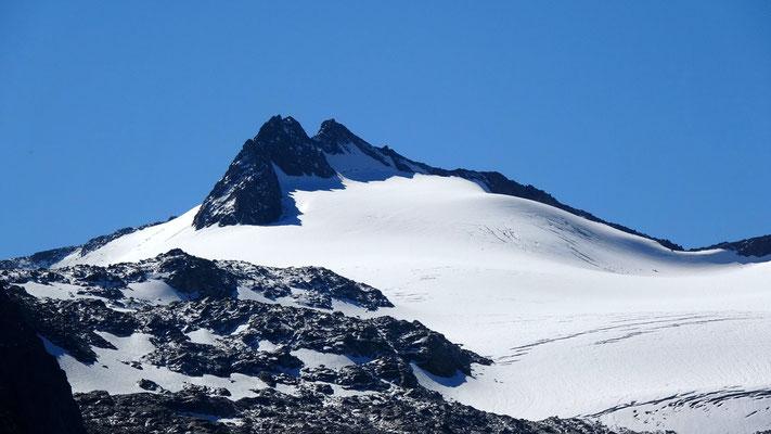 Gipfelblick: Piz Cristallina - 3128 M