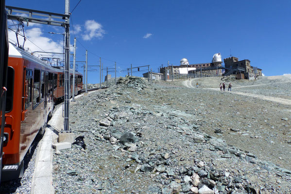 Zahnradbahn vor Bergstation
