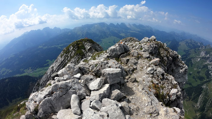 Gipfelblick: Glarner Alpen