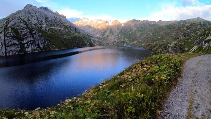 Lago di Lucendro