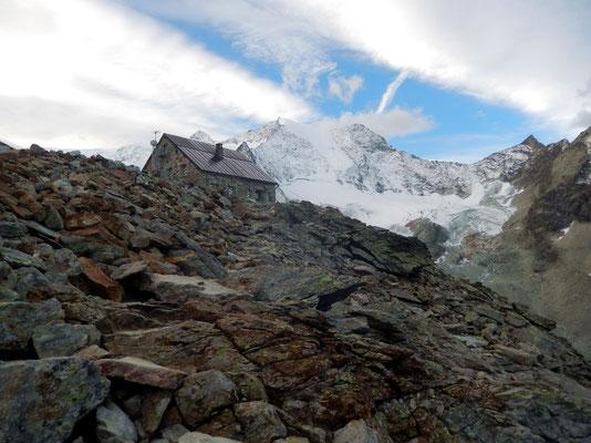 Cabane de Moiry - 2825 M