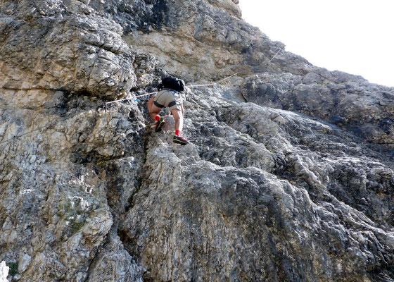 Querung an platten Felsen