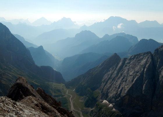 Gipfelblick in die östlichen Dolomiten
