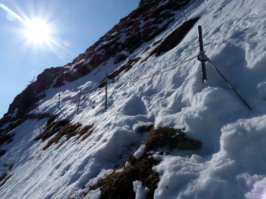 Steile, noch verfirnte Nordflanke