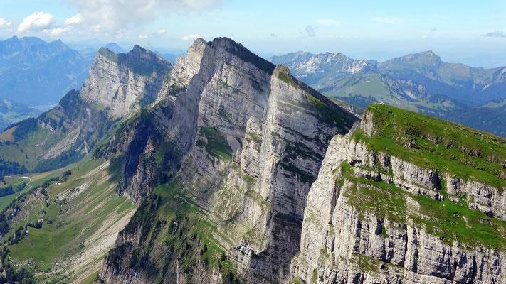 Gipfelblick: Churfirsten