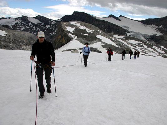 Seilschaft auf dem Steghorngletscher
