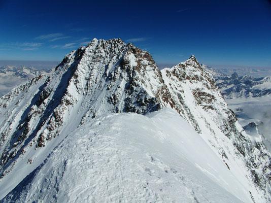 Zumsteinspitze - Gipfelblick nach N