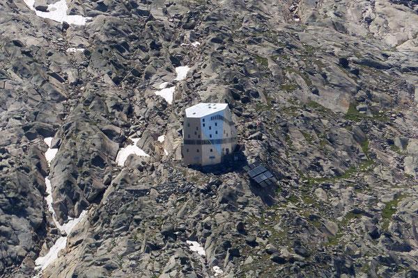 Monte Rosa Hütte - 2883 M