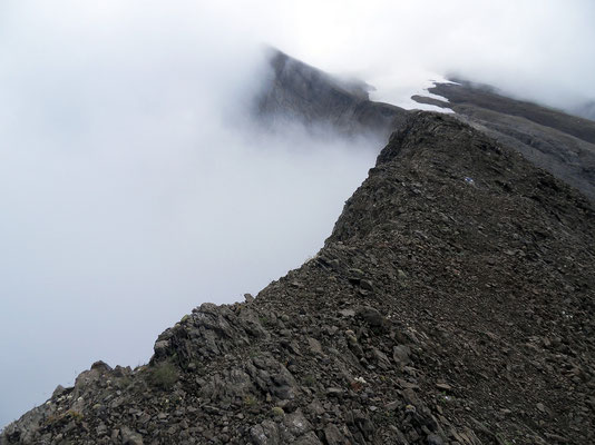 Abstieg nahe der Gratkante