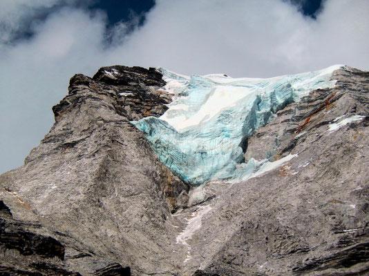 Hängegletscher am Island Peak