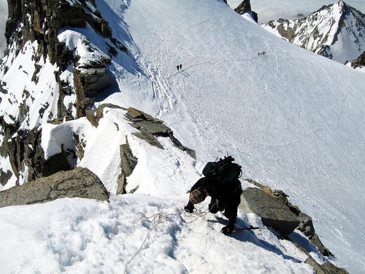 Sicherer Abstieg vom Gipfel