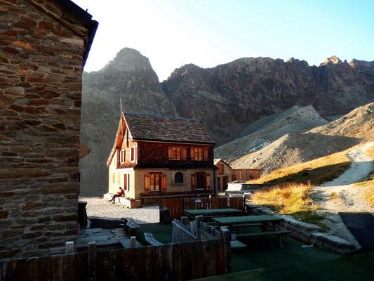 Weissmieshütten vor Jegihorn und Jegigrat