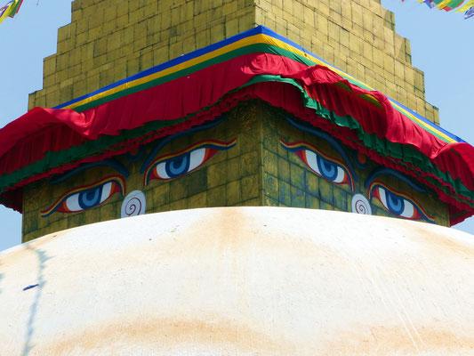 Riesige Stupa